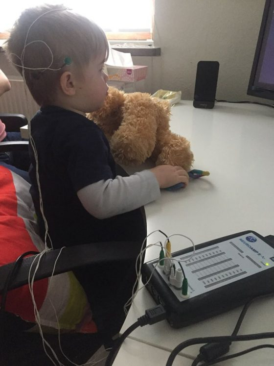 Vi er det mest erfarne neurofeedback-team i Danmark, og har som de eneste gennemgået uddannelsesforløb der indeholder viden fra både psykiatri, neurofeedback, sundhedspsykologi, neuropsykologi og pædagogisk tilgang til børn og unge.